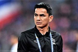 Kiatisak khẳng định sân trơn khiến Thái Lan chơi không như kỳ vọng
