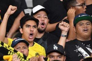 Malaysia sẽ kiện lên FIFA vì CĐV bị tấn công ở Indonesia