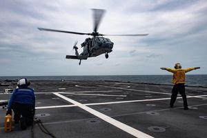 Tàu chiến Việt Nam sát cánh cùng các nước tại diễn tập AUMX