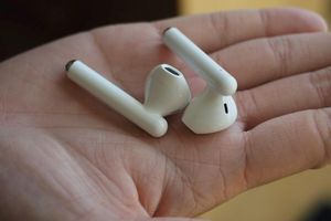 Huawei ra tai nghe giống AirPods, có chống ồn, giá rẻ