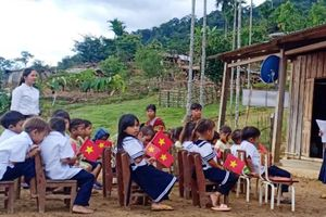 Lễ khai giảng đầy xúc động tại điểm trường miền núi Quảng Nam