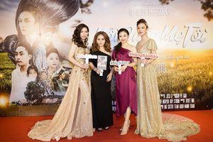 Mẹ con Lê Giang, Lê Lộc 'đội mưa' đến mừng Hồng Bảo Bảo, Hoài Sơn ra mắt phim ca nhạc