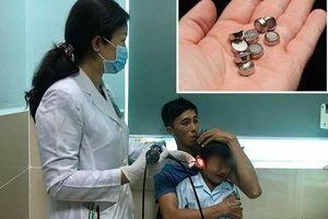 Nhét pin điện tử vào tai, bé trai 5 tuổi bị thủng màng nhĩ