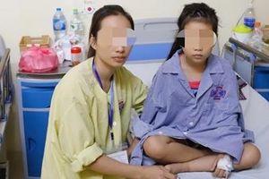 'Phép mầu' đến với bé gái 5 tuổi suýt bị liệt đôi chân