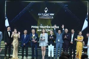 'Về nhà đi con' đại thắng tại VTV Awards 2019