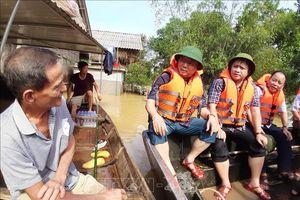 Bộ trưởng Bộ Tài nguyên và Môi trường kiểm tra công tác khắc phục hậu quả lũ lụt tại Hà Tĩnh