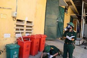 Vụ cháy Rạng Đông: Binh chủng Hóa học lấy mẫu để phân tích