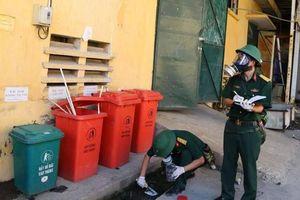 Vụ cháy Công ty Rạng Đông: Bộ Tư lệnh hóa học lấy nhiều mẫu để phân tích