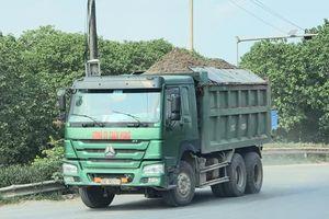 Hà Nội: Lạ đời xe quá tải 'bình yên' trẩy hội sau lệnh cấm
