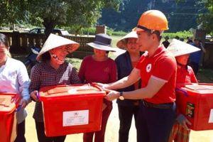 Hội Chữ thập đỏ Việt Nam 'vượt lũ' cứu trợ người dân Quảng Bình