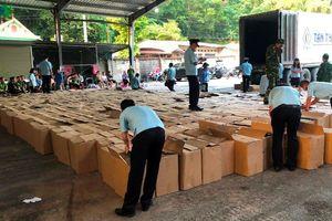 15 tấn pháo lậu được ngụy trang hàng nông sản để vào Việt Nam