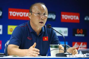 Đấu thầy cũ Guus Hiddink, HLV Park Hang Seo được trao quyền đặc biệt