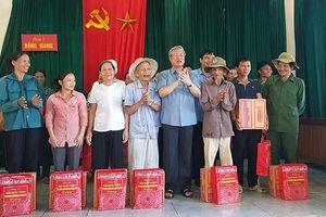 Đồng chí Trần Quốc Vượng kiểm tra công tác khắc phục hậu quả mưa lũ