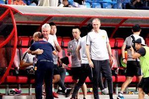 HLV Guus Hiddink nói gì sau khi để thua 'đàn em' Park Hang-seo?