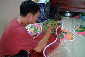 Rộn ràng, tất bật tại xóm làm lồng đèn truyền thống lâu đời nhất Sài Gòn