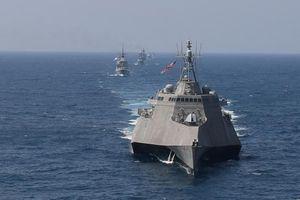 Diễn tập hàng hải và thông điệp của Mỹ