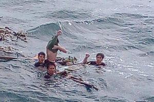 Nhận tin anh trai mất tích trên biển, em gái khóc ngất rồi tử vong