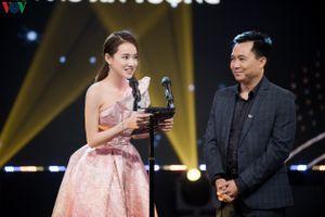 Nhã Phương giảm cân, đẹp cuốn hút trên thảm đỏ VTV Awards 2019