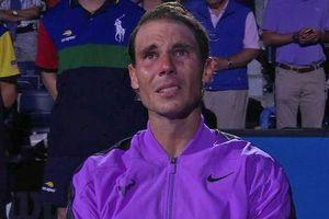 Nadal khóc khi nhìn lại những mốc son trong sự nghiệp