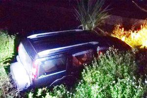 Ôtô 7 chỗ lao xuống mương, tài xế tử vong