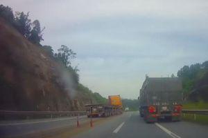 Đề nghị xử lý tài xế xe container đi ngược chiều, phá hoại thiết bị giao thông