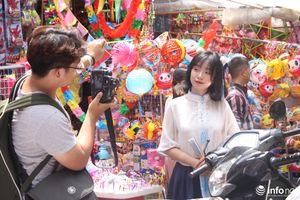 Thực hư chuyện chụp ảnh tại phố Hàng Mã phải mất phí 100.000/lần chụp