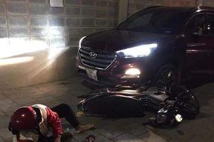 Nam thanh niên lái ô tô cố tình tông thẳng vào đôi vợ chồng đi xe máy ở Sài Gòn