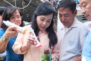 Bộ trưởng Bộ Y tế đi thị sát điểm nóng sốt xuất huyết ở Đồng Nai