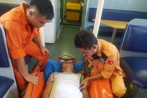 Khẩn cấp cứu 1 người nước ngoài nguy kịch ở vùng biển Hoàng Sa