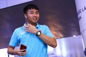 Thủ môn U22 Việt Nam suýt bị bỏ lại ở sân bay Nội Bài