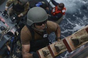 Cận cảnh đặc nhiệm hải quân ASEAN-Mỹ diễn tập truy bắt nghi phạm trên tàu