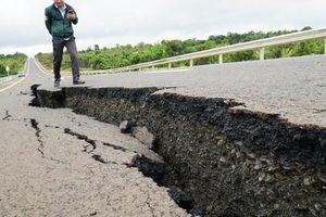 Đường 250 tỉ mới xong đã nứt toác: Bộ trưởng Giao thông vận tải yêu cầu xử lý nghiêm