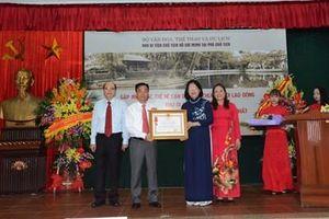 Khu Di tích Chủ tịch Hồ Chí Minh tại Phủ Chủ tịch đón nhận Huân chương Lao động hạng Nhất