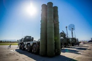 Mỹ trừng phạt nhắm vào hệ thống phòng không S-400 của Nga
