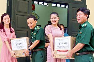 Báo Biên phòng tổ chức Trung thu cho trẻ em nghèo trên biên giới Hà Giang