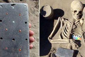 Sự thật về việc tìm thấy 'điện thoại iPhone' cách đây hơn 2.100 năm?
