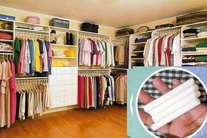 Thấy tủ quần áo ẩm mốc và có mùi hôi, chồng lấy viên phấn trắng ra làm cách này khiến cả nhà lác mắt
