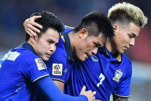 Thắng đậm Indonesia, Thái Lan vượt Việt Nam và UAE đứng đầu bảng G