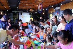 Nhóm họa sỹ G39 triển lãm mặt nạ gây quỹ ủng hộ bệnh nhi dịp Trung Thu
