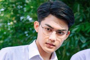 Nam sinh bị hội chị em 'tóm gọn' trong group trai đẹp: Ơ, em trai Quang Đại ư?
