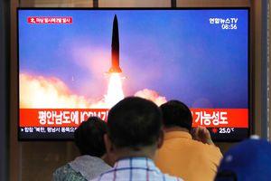 Vừa đề xuất đàm phán với Mỹ, Triều Tiên phóng nhiều vật thể ra biển