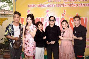 NSƯT Kim Tử Long, Ngọc Huyền, Thanh Bạch cùng nhiều nghệ sĩ thắp hương cúng Tổ ngành sân khấu