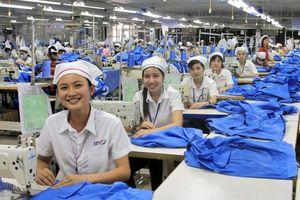 Việt Nam đứng đầu ASEAN về cải thiện việc làm cho lao động nữ