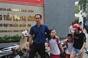 Khám sức khỏe miễn phí cho HS tại các trường gần khu vực cháy kho Rạng Đông