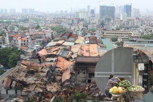Hỏa hoạn khủng khiếp ở Công ty Rạng Đông: Hàng quán đóng cửa im lìm, 90% dân chung cư di tản