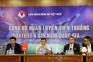 HLV Philippe Troussier: Cùng triết lý với HLV Park Hang Seo