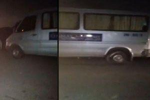 Hà Nội: Phát hiện người đàn ông tử vong trên xe ô tô 16 chỗ chở học sinh