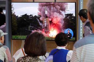 Triều Tiên liên tiếp phóng tên lửa