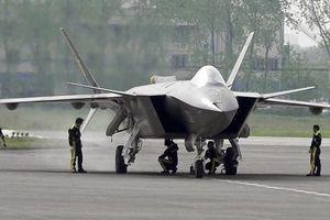 Trung Quốc bị tố dùng thông tin bí mật của F-35 để chế tạo chiến cơ J-20