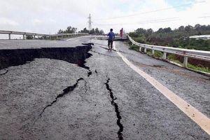 Vụ đường 250 tỷ sụt lún nghiêm trọng: Bộ Giao thông vận tải yêu cầu khẩn trương kiểm tra
